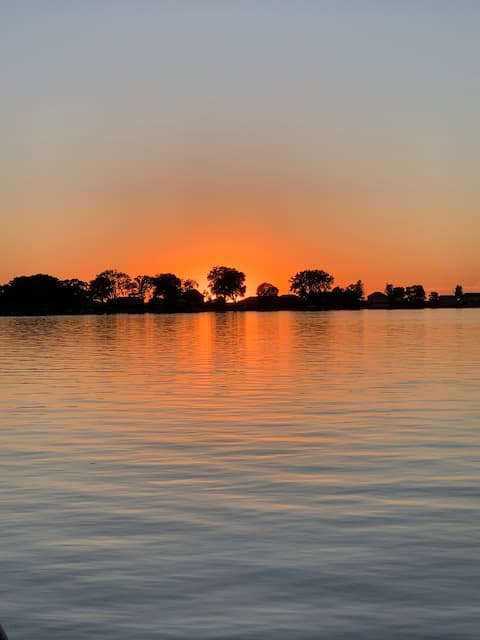 Family Lake Getaway