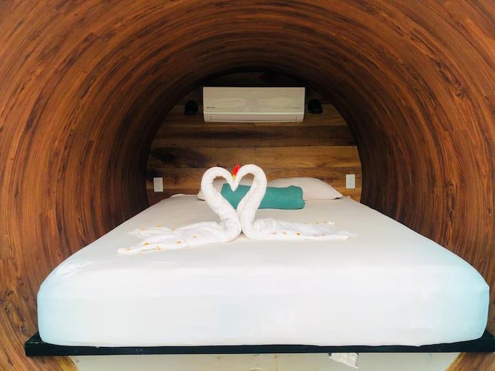 Zylinder Room  Arenal Backpackers Resort #1