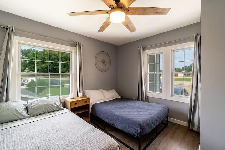 Bedroom 1: 2 Full Beds