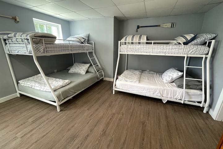 Bedroom 6 (lower level): 2 Full/Twin combo bunk beds...perfect for kids
