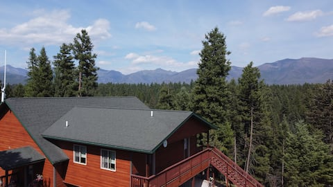 Whitetail View: Mountains, Deer at a Secluded Home