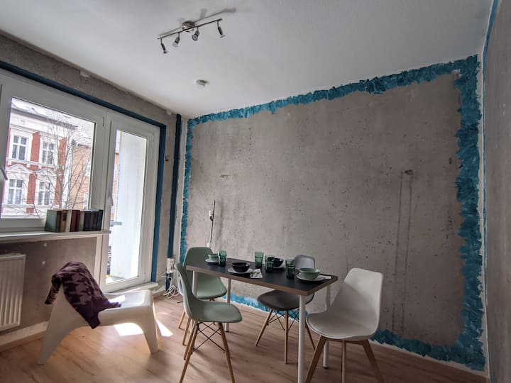 Spaceous Apartment for Holiday and Work from Home