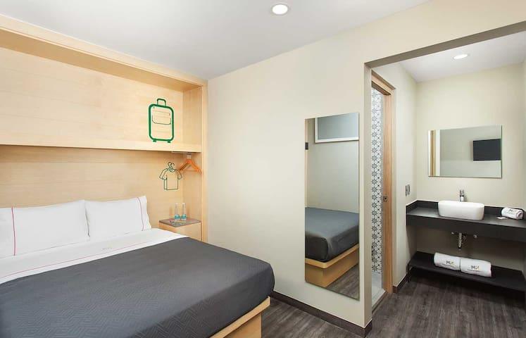 Nuestras habitaciones cuentan con las amenidades necesarias para que tu estancia sea de las mejores