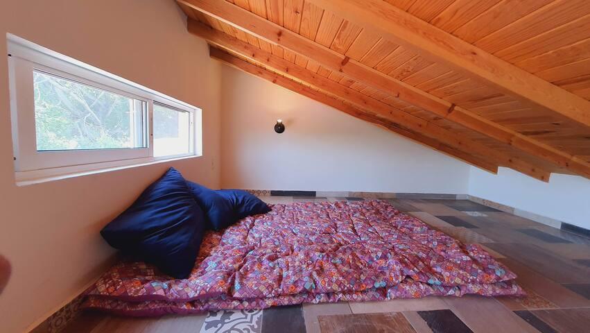 El tapanco es un espacio secreto e ideal para los niños y grandes y todos!