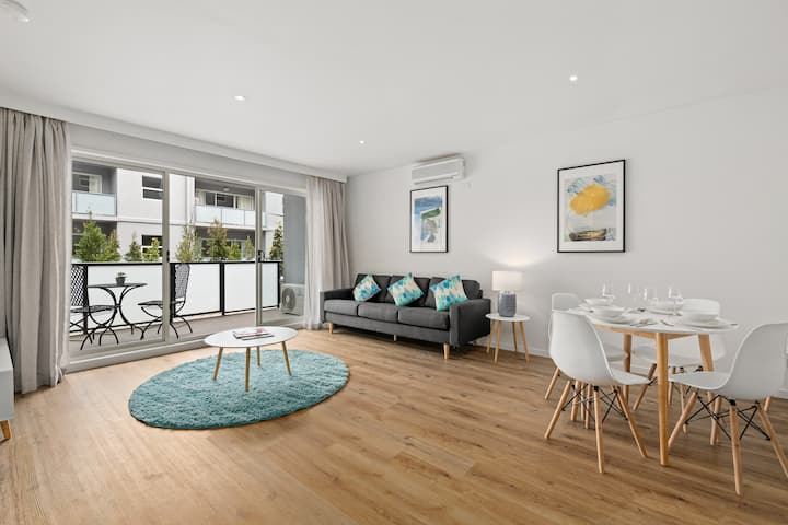 Spacious One Bedroom Apartment Apartments For Rent In Burwood Victoria Australia