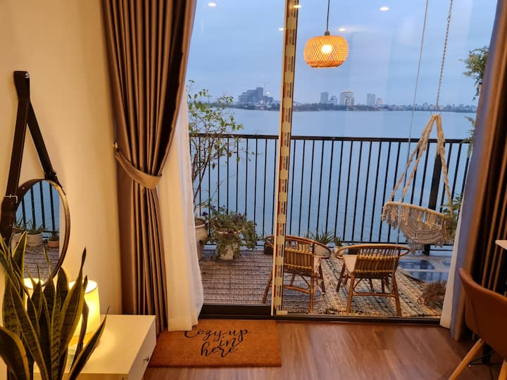 Eco friendly 1 BR Apartment with Lake View