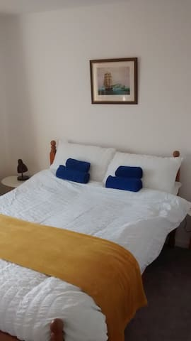 Double room, 4'6'' bed with satellite TV and USB points. South facing.