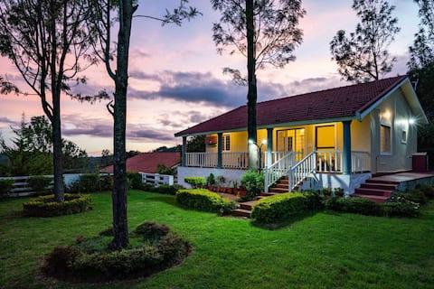 Casa Pinnacle - 2BR w/ Lawn, Bonfire and Views