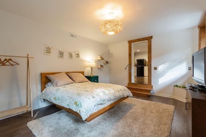 Modern, clean bedroom.