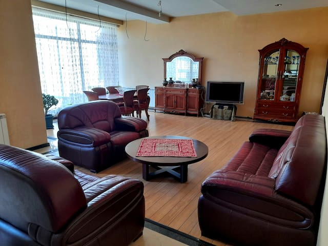Shared Living Room/Common Room