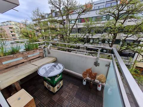 Cozy apartment with balcony in Schwabing