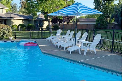Private Suite & Patio w/ Pool, 40 min to Sequoias!