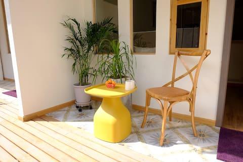 【新】{艾香烟雨}鲁迅故里老街附近,独门独享庭院,私人美术馆---五·一假期提供早餐