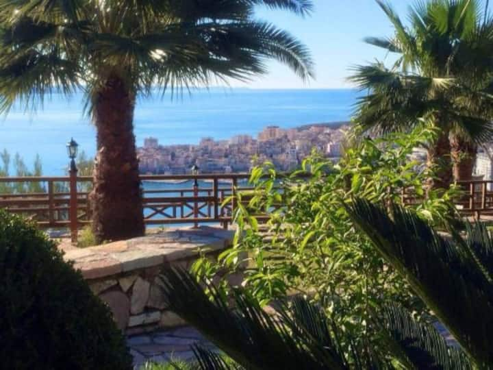 Relaxing room for 2 persons in Saranda,big balcony