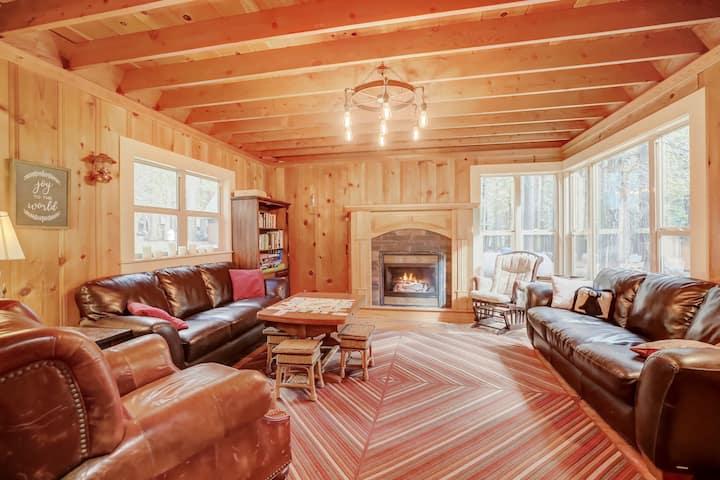 Spacious Cabin Retreat-Lassen Nat'l Forest