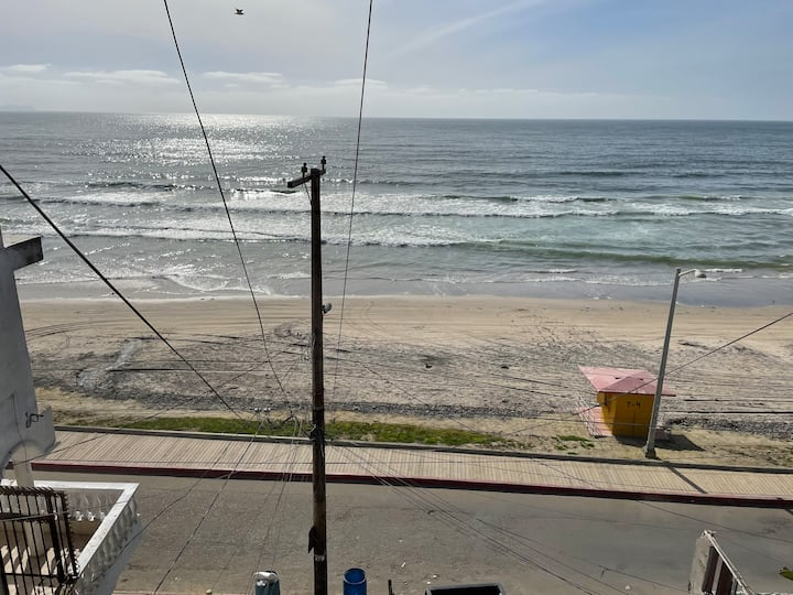 Beach Front, Gorgeous Cottage, Surf Ready