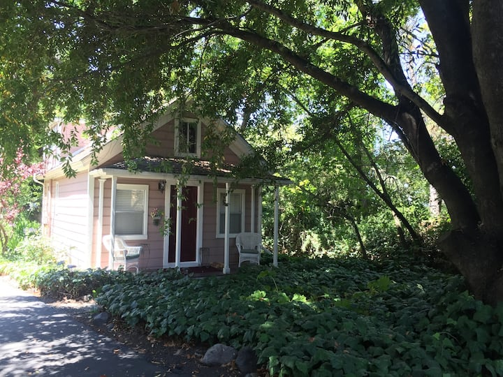 The Gables Inn - Cottage