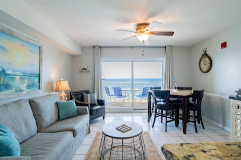**NEW** GULF FRONT views!! 1 bed/2 bath Sleeps 6