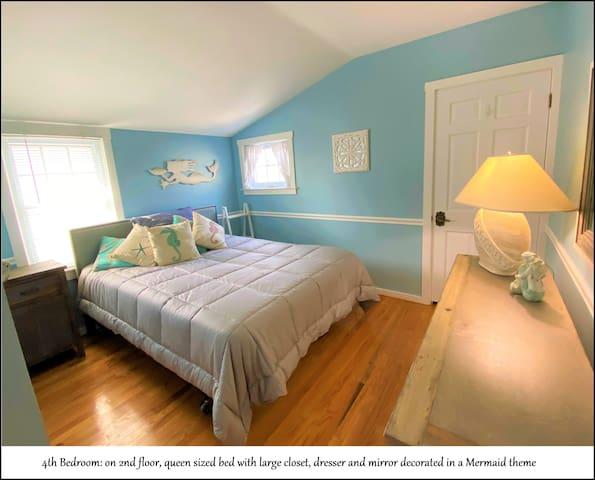 Bedroom #4 of 5 - Queen Bed - Mermaid Theme Decor