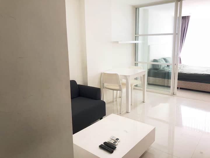 Element Condo Srinakarin ~Resort Style condominium