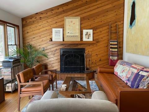 Casa cerca del río Delaware w/ jacuzzi en 5 acres!