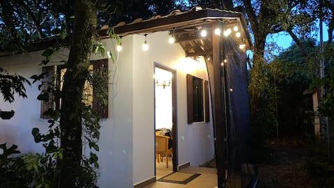 Cozy Sunrise Cottage