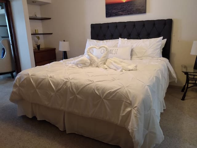 Master bedroom with memory foam bed and very comfortable bedding