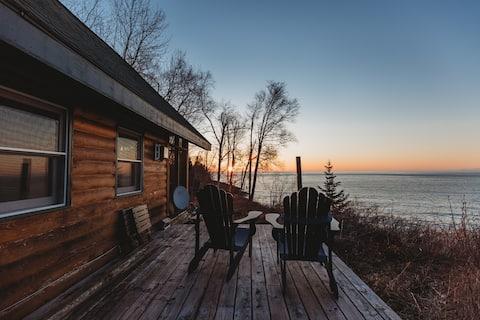 Beacon Hill Haven - cozy cabin on Lake Superior