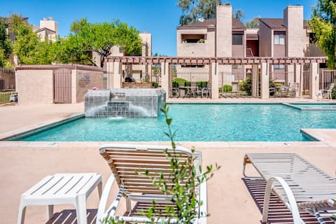 Stylish & Cozy in the ❤ of Old Town | Pool, HotTub