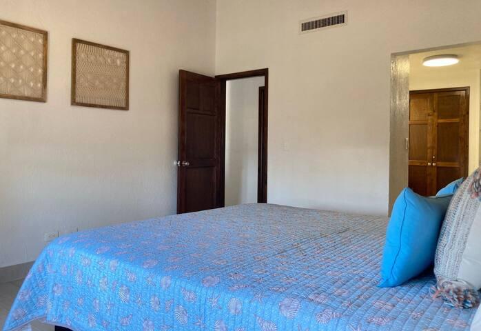 Master bedroom / Recámara principal