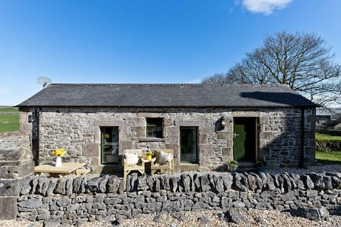 The Pigsty | Cosy Rural Barn close to Buxton