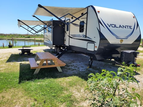 Big Boy Beach Camper at Hailey's Beach-n-Bay #3