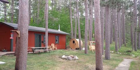 A Rustic Northwoods Haven - Outdoor Sauna!