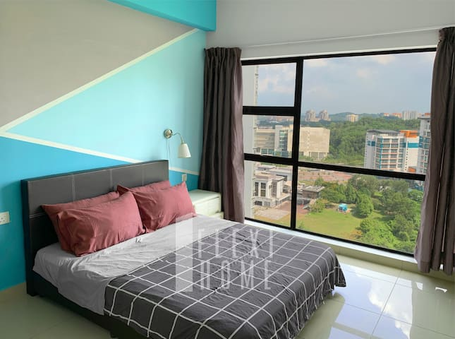 Master Bedroom, Comfy Queen Size Bed  with Window Views, Blackout Curtain and Air Conditioning.