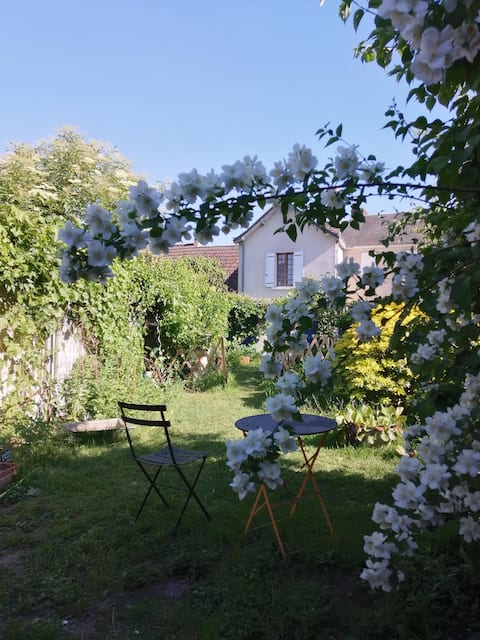 Charming cottage in the Loir and Loire valleys