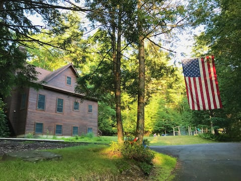 4BR Catskills Retreat on 10 Acres w/ Private Creek