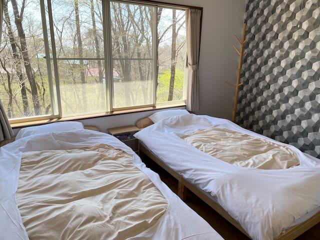 2階南側ベッドルーム