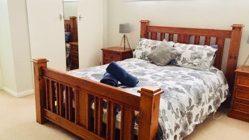 Another queen bedroom complete with en-suite ❤️