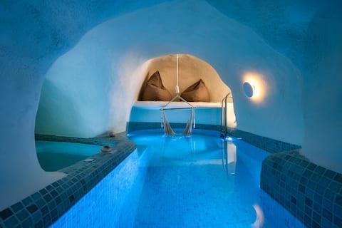 Mystagoge Retreat with cave pool,hammam and cellar