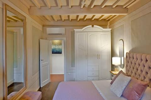 Elegante appartemento in pieno centro a Cortona