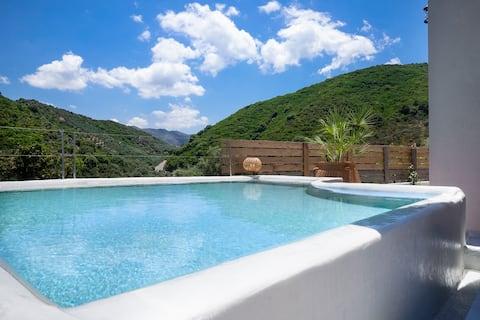Villa Karma, 2 BD, 2 BA, private pool