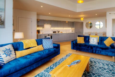 Brand new luxury marina apartment sleeps 6 ♥☼