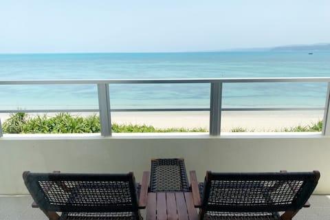 お部屋や屋上から絶景オーシャンビュー、天然ビーチまで徒歩10秒、1組限定の隠れ家