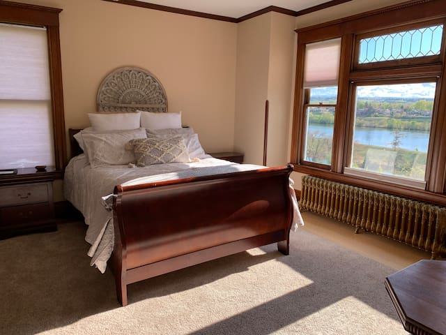 Beautiful view of the snake river Wi-Fi TV clean and comfortable