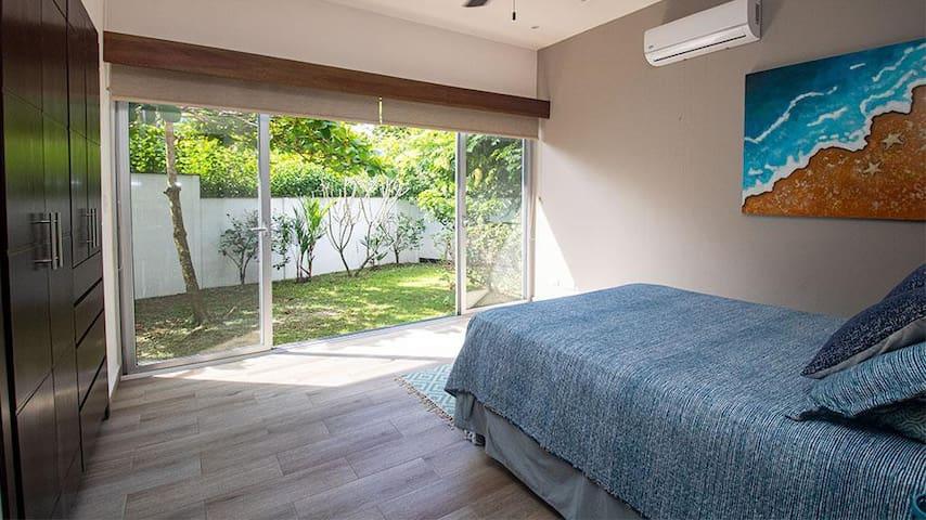 Second oversized bedroom