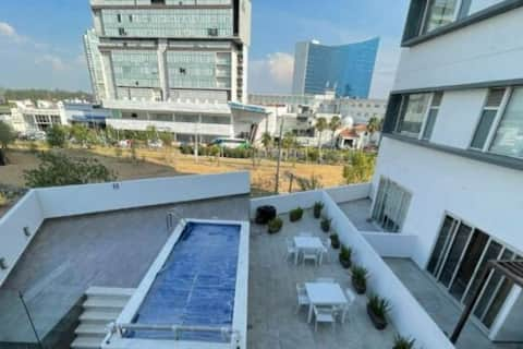 Best Located Condo with SwimmingPool & Gym