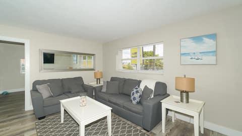 Siesta Key Village-Suite #1: Um quarteirão para a Praia!