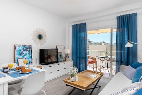 Cozy apartment next to the beach in Nerja center