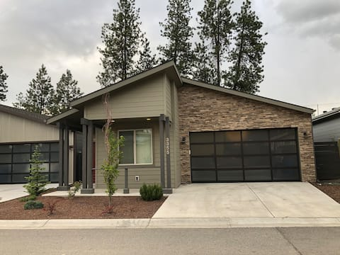 Coeur d' Alene Modern Rancher Close to Everything