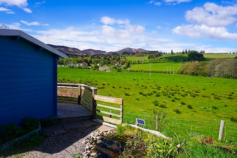 Log cabin, great view  self catering dog friendly.